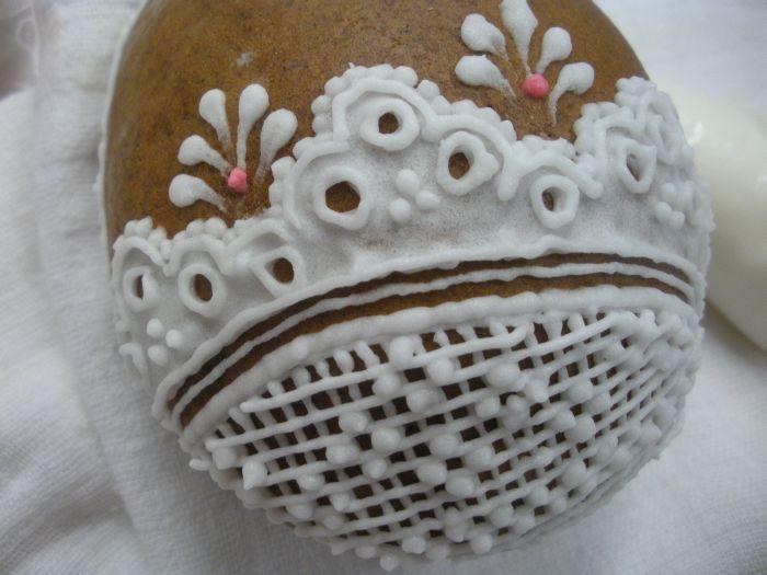 Zdobení velikonočních perníčků