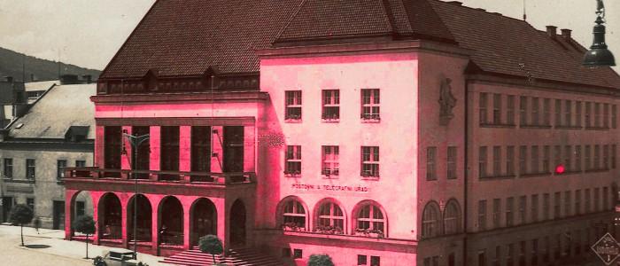 Radnice na růžovo