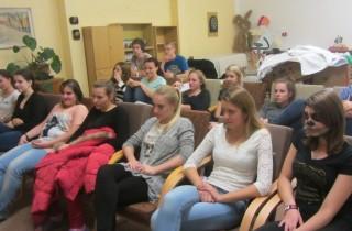 Přednáška mezi studenty
